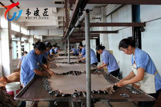 韦皮匠人造革尽显中国皮革